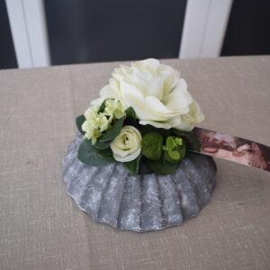 Bloemstuk schelpvorm rozen - hortensia