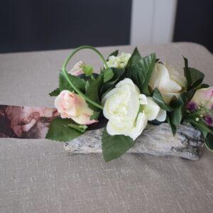 Bloemstuk boomstam 2 rozensoorten